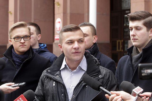 Mateusz Pławski, jeszcze jako rzecznik Młodzieży Wszechpolskiej.
