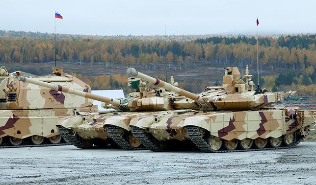Rosyjskie czołgi przy granicy Krymu z obwodem chersońskim