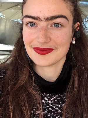 Dania: Kobieta nie depiluje wąsów i monobrwi. Tak testuje zalotników