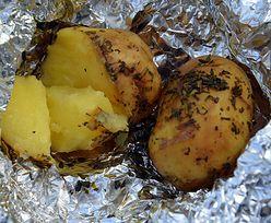 Przepis na ziemniaki z ogniska z masłem czosnkowym. Rewelacyjne połączenie