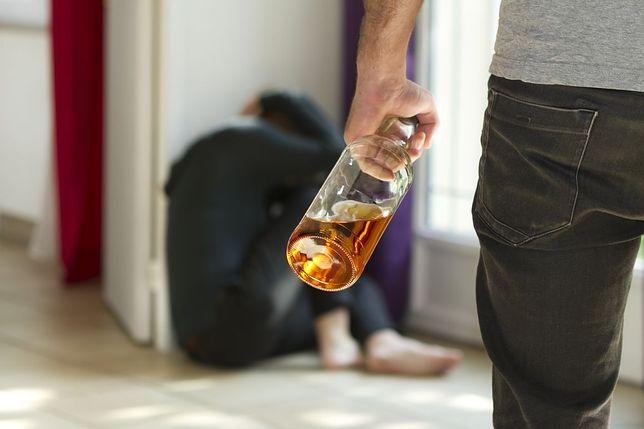 Rząd dąży do zmniejszenia spożycia alkoholu. Będą ograniczenia sprzedaży i reklamy