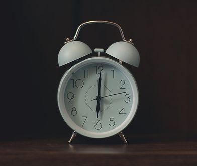 Zmiana czasu 2020. Polacy mają dość przestawiania zegarków