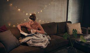 Koc przyda się podczas wieczorów przy książce