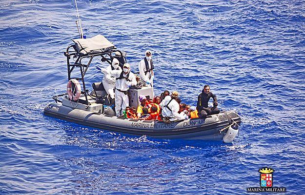 Włochy: na Morzu Śródziemnym uratowano kolejnych 1500 imigrantów