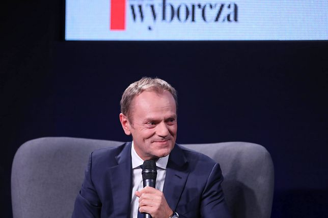 """Donald Tusk był w świetnym nastroju podczas spotkania autorskiego nt. książki """"Szczerze"""""""