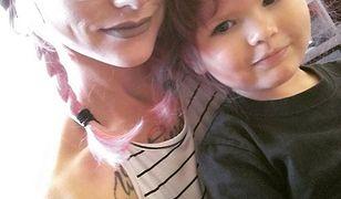 Jaka matka taka córka? Przefarbowała włosy dwulatce