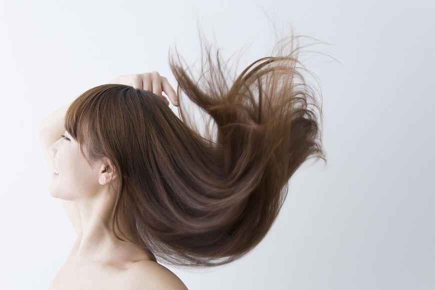 Niedobór wapnia odbija się na skórze, włosach i paznokciach