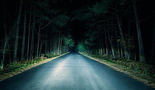 Męczy cię jazda nocą? Odpowiednie okulary pomogą