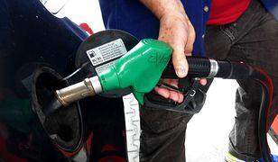 W hurcie paliwo nie było droższe od 2014 r.