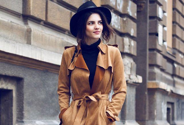 Płaszcz szlafrokowy świetnie podkreśla talię
