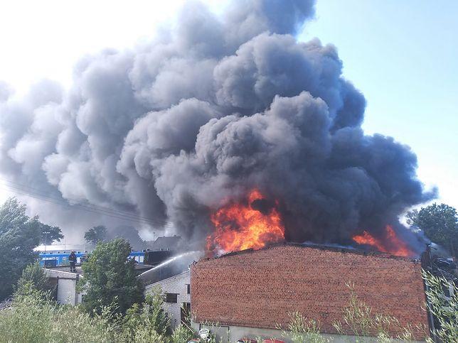 Pożar gasi 10 zastępów straży