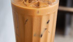 Kawa mrożona. Smakuje jeszcze lepiej niż z kawiarni