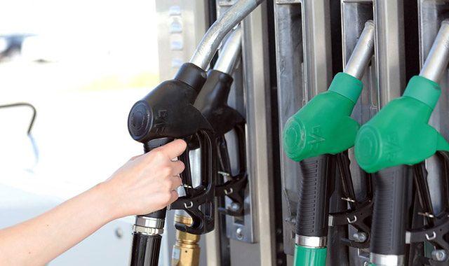 Szlachetne paliwa: czy warto tankować premium?