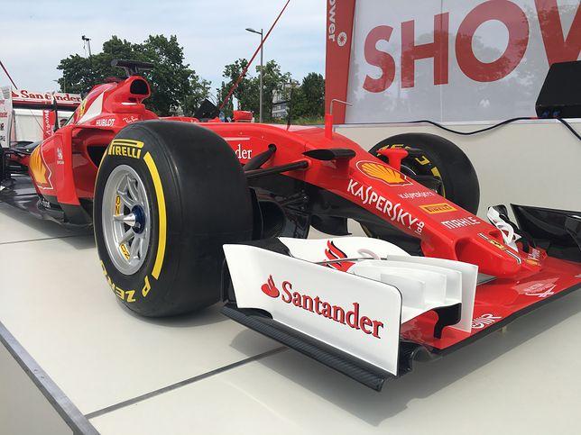 Kimi Räikkönen palił gumę Ferrari na Stadionie Narodowym