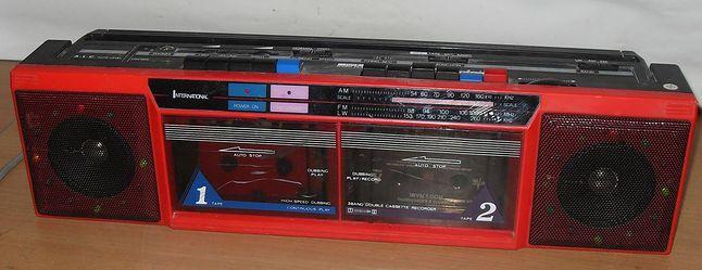 kultowy jamnik - długi idealny do przegrywania kaset