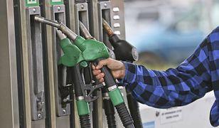 Kierowcy muszą płacić coraz więcej za tankowanie.