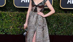Anne Hathaway przesadziła. Cętki pogrążyły ją na Złotych Globach
