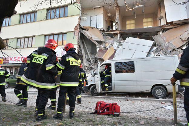 Zawaliła się kamienica w centrum Łodzi. 10 zastępów straży pożarnej na miejscu