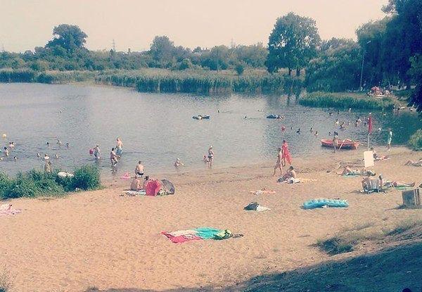 Jeziorko Czerniakowskie zamknięte do odwołania. Sanepid: w wodzie są sinice