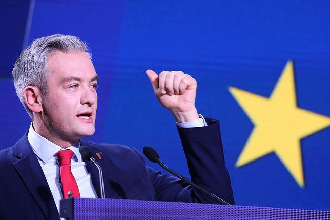Lider partii Wiosna Robert Biedroń podczas konwencji w Warszawie. 4 kwietnia 2019 roku.
