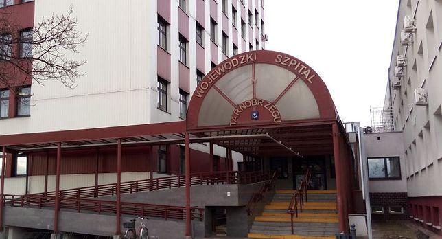 Koronawirus. Tarnobrzeg. Pracownicy Wojewódzkiego Szpitala imienia Zofii z Zamoyskich Tarnowskiej z COVID-19