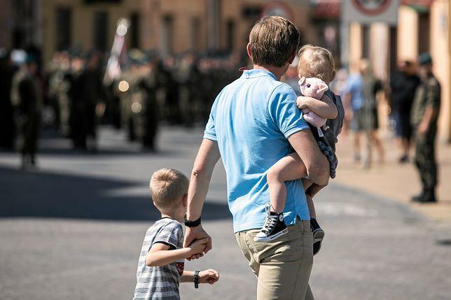 Często ojciec i matka mają różne poglądy w kwestii wychowania dzieci