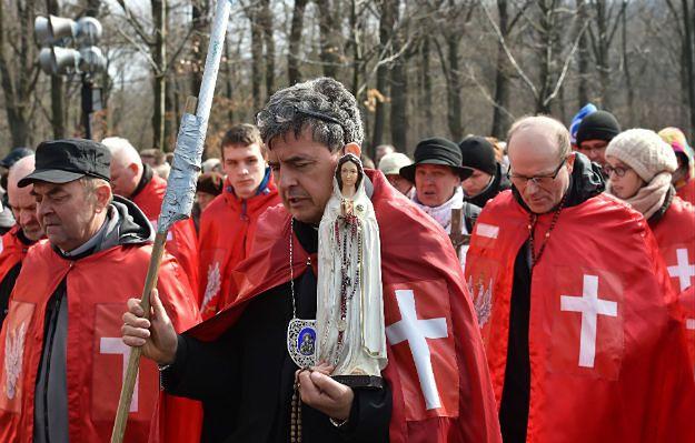 Rycerze Chrystusa Króla na manowcach Kościoła - jest ich kilka tysięcy