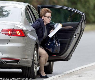 Anna Zalewska jako szefowa resort edukacji narodowej ma samochód służbowy