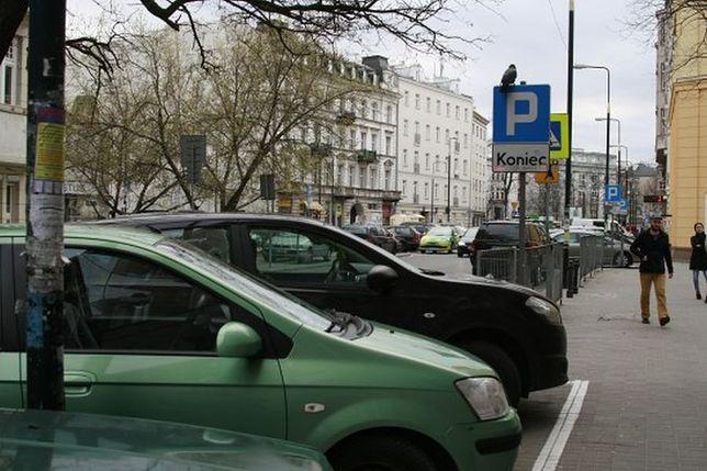 Mniej praw jazdy, więcej samochodów i taksówkarzy