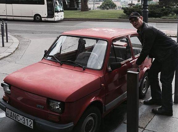 TomHanksosobiście odbierze ofiarowanego mu Fiata 126p