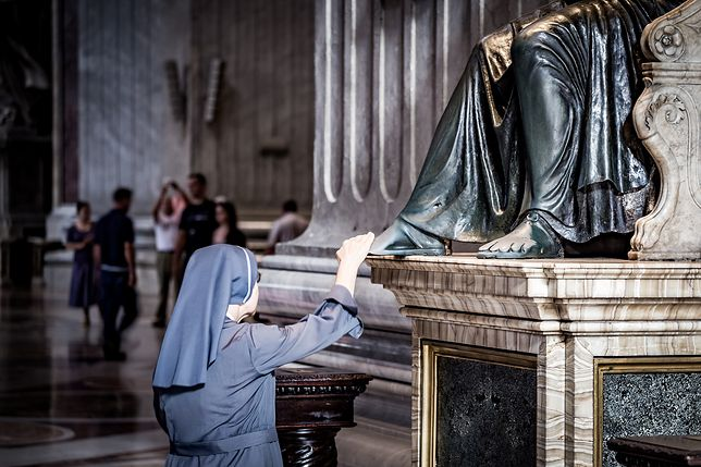 Zakonnica w Watykanie
