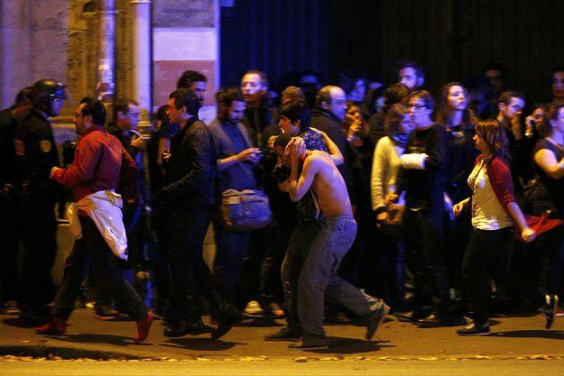 Zidentyfikowano dowódcę zamachowców w Paryżu. Nazwiska terrorysty nie ujawniono