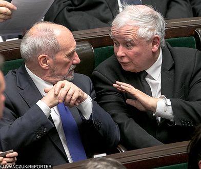 Antoni Macierewicz i Jarosław Kaczyński w Sejmie, 10 stycznia 2018 r.