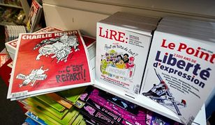Charlie Hebdo publikuje rysunki na temat Chóru Aleksandrowa. Rosyjskie ministerstwo obrony reaguje