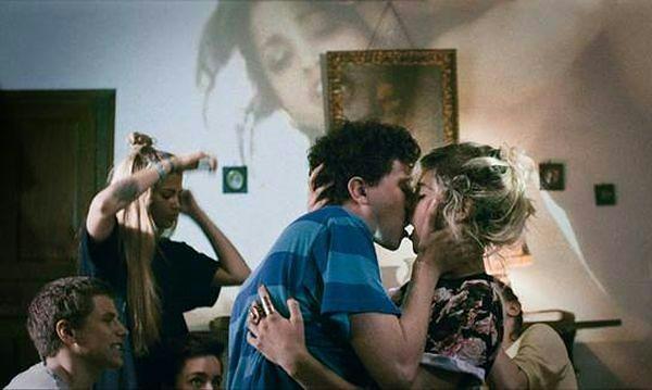 """#dziejesienazywo: O życiu seksualnym nastolatków w filmie """"Bang Gang"""" [WIDEO]"""