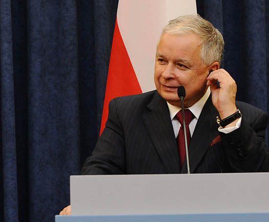 """""""Złośliwe"""" pióro Lecha Kaczyńskiego trafi na aukcję"""