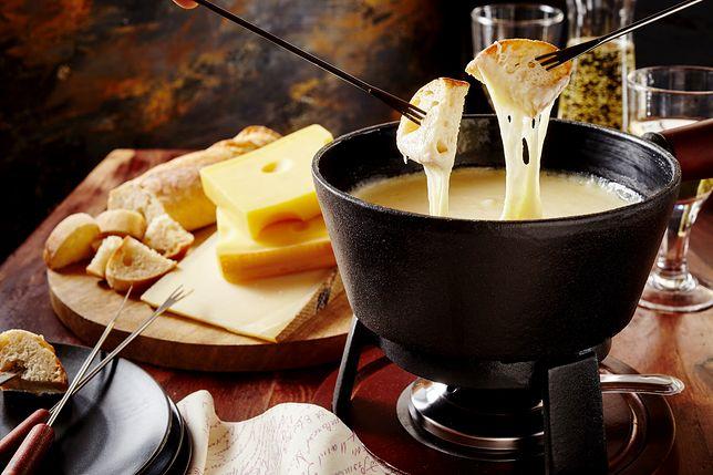 W Szwajcarii jest około 450 typów sera
