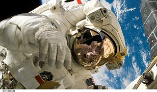 NASA. Prawie ośmiogodzinny spacer kosmiczny zakończony sukcesem