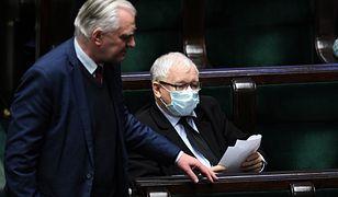 """""""Trójka"""". Polskie Radio będzie tematem rozmowy Gowina z Kaczyńskim. Zamieszanie z Listą Przebojów"""