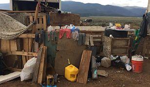 Nowy Meksyk: policja uratowała 11 dzieci. Były więzione i wygłodzone