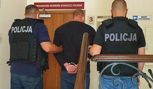 Koronawirus. 44-latek uderzył ekspedientkę za uwagę o maseczce. Jest areszt