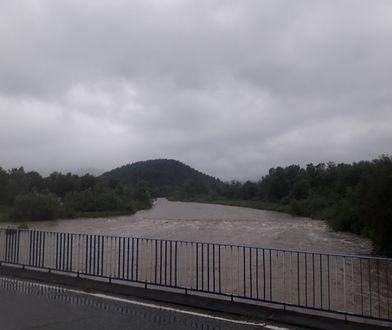 Nowy Sącz. Prezydent zamknął most na rzece Kamienica. Fatalny stan techniczny