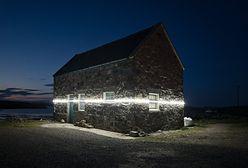 Linie świetlne w szkockiej wsi. Pokazują, jak bardzo podniesie się poziom wód