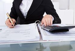 W którym regionie zatrudniają najwięcej urzędników i gdzie płacą najwyższe wynagrodzenia?