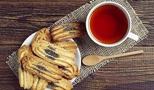 Wyciskane maślane ciasteczka z makiem