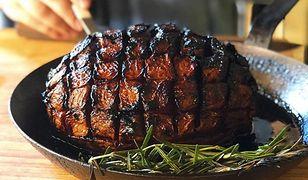 Restauracja w Nowym Jorku wpadła na pomysł przyrządzenia arbuza jako pieczeni