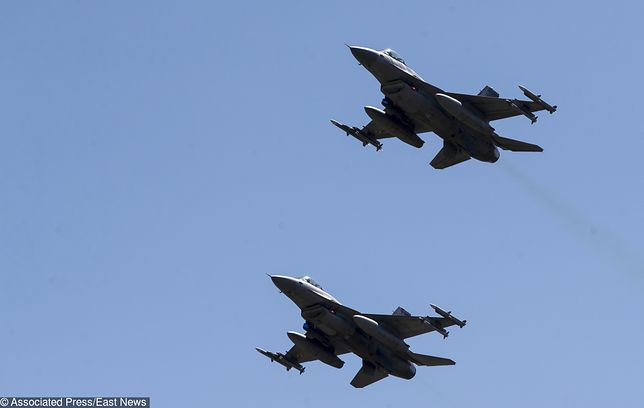 Belgijskie myśliwce przejęły samolot Ryanaira na wysokości Rotterdamu