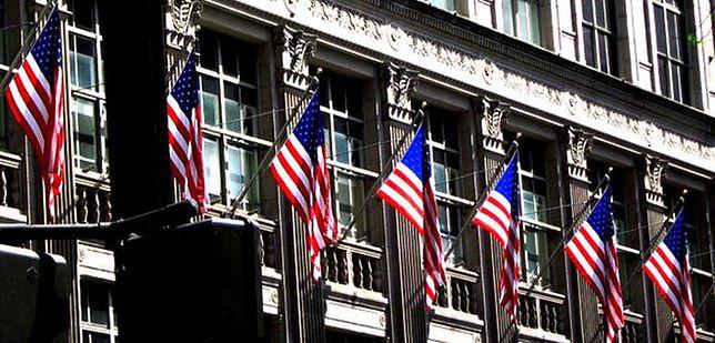 Wall Street czeka na rządowy raport z rynku pracy