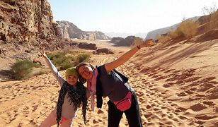 Asia z mamą na jordańskiej pustyni Wadi Rum