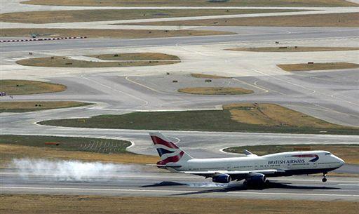 Awaryjne lądowanie brytyjskiego samolotu z 300 osobami